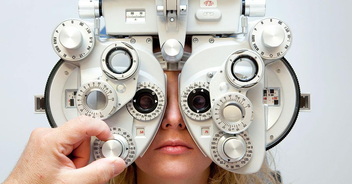 Ways-to-myopia-control:-Routine-eye-exam