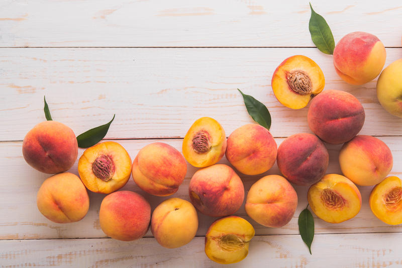 Foods-high-in-estrogen:-Peach