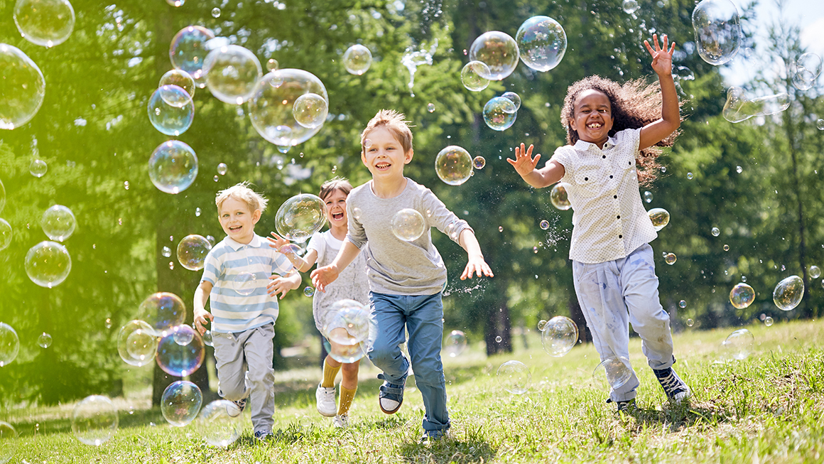Ways-to-myopia-control:-Play-outside