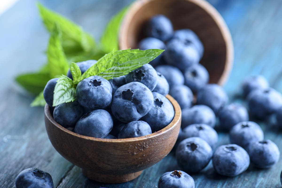 Best-foods-for-stomach-health-Blueberries