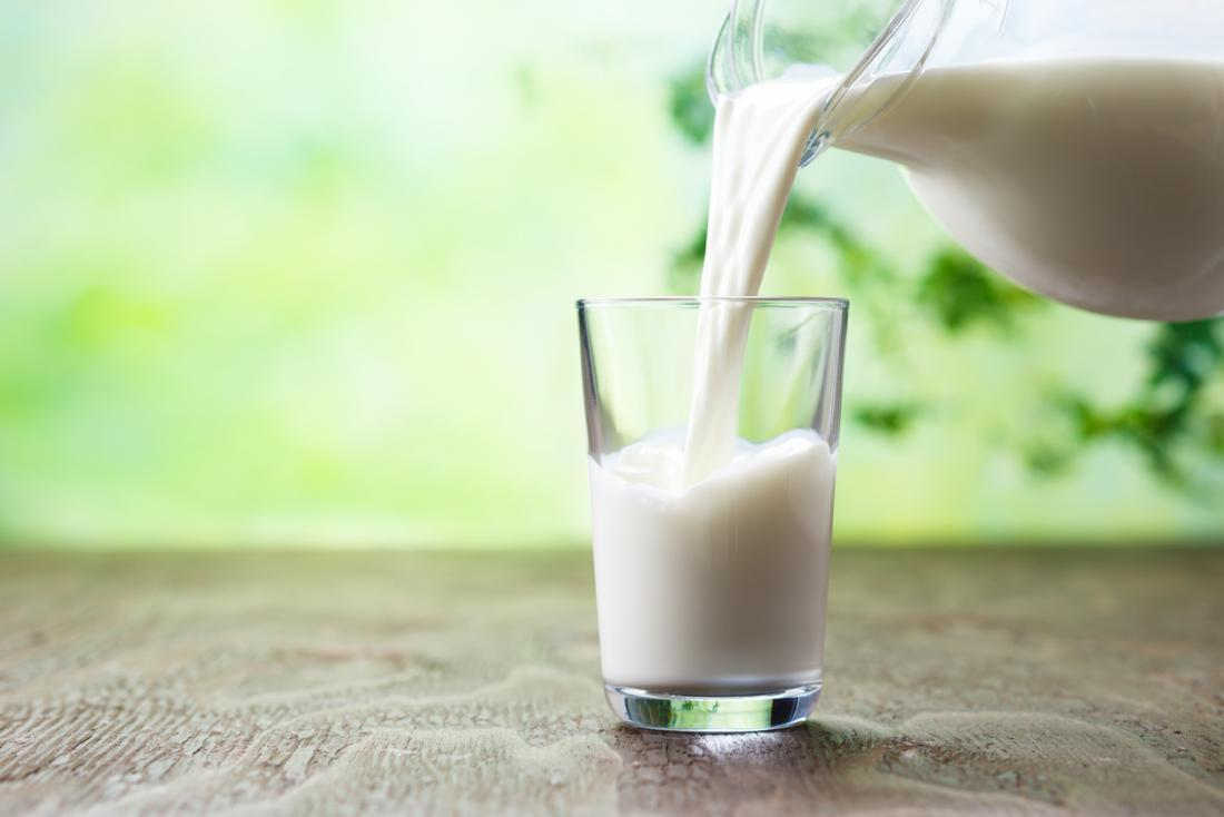 10-Foods-that-lower-blood-pressure-low-fat-milk