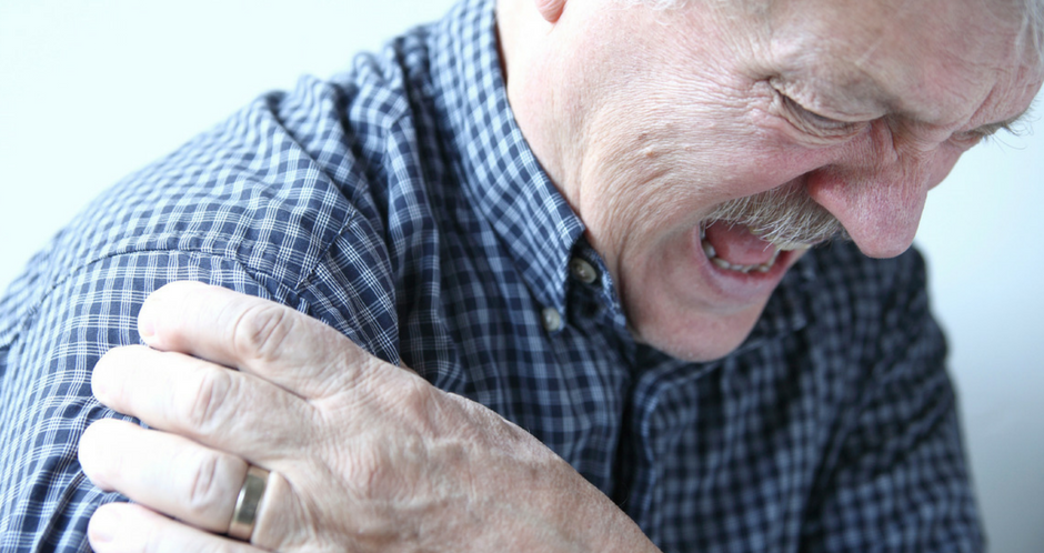 Mugwort-essential-oil-benefits:-Treat-osteoarthritis-pain-of-the-elderly