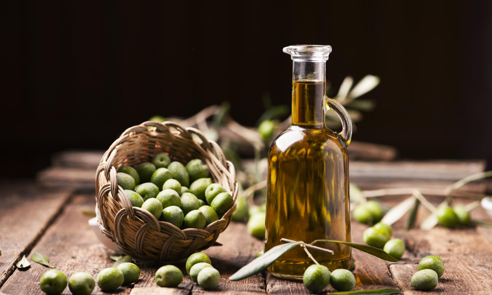 Foods-to-prevent-osteoporosis-Olive-oil