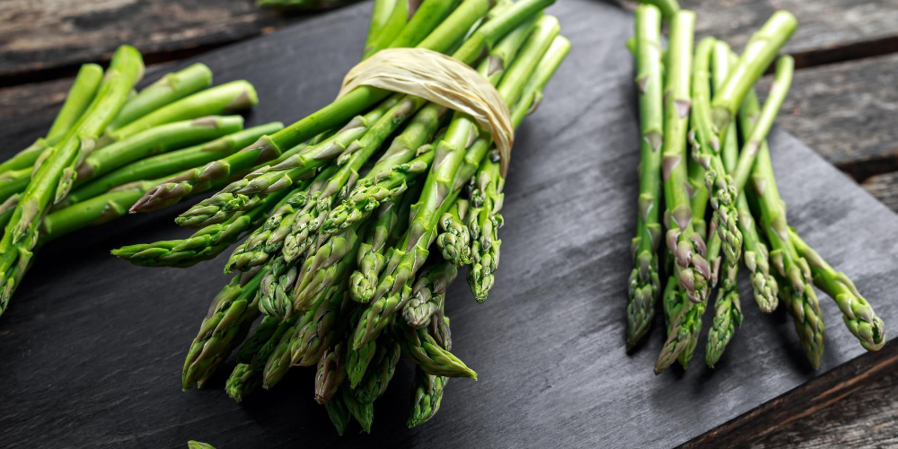 Best-pregnancy-foods-in-the-first-3-months:-Asparagus