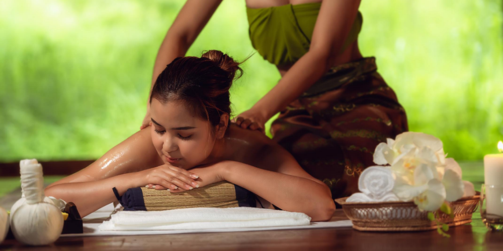 Ways-to-detox-your-body-Massage