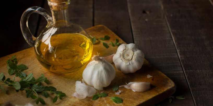 5-benefits-of-garlic-oil-|-So-good-that-you-wouldn't-expect-it