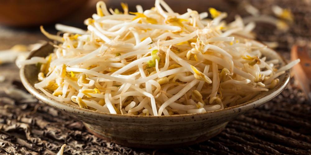 Bone-strengthening-foods:-Bean-sprouts
