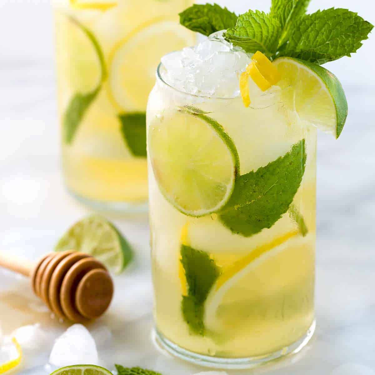 This image has an empty alt attribute; its file name is iced-green-tea-lemon-lime-honey-1200.jpg