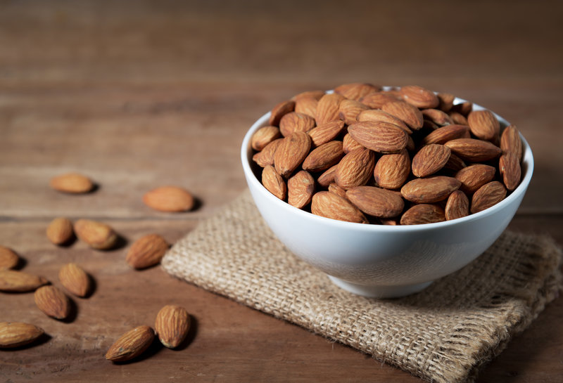 "Top-5-benefits-of-eating-almonds-The-""Queen""-of-nuts"